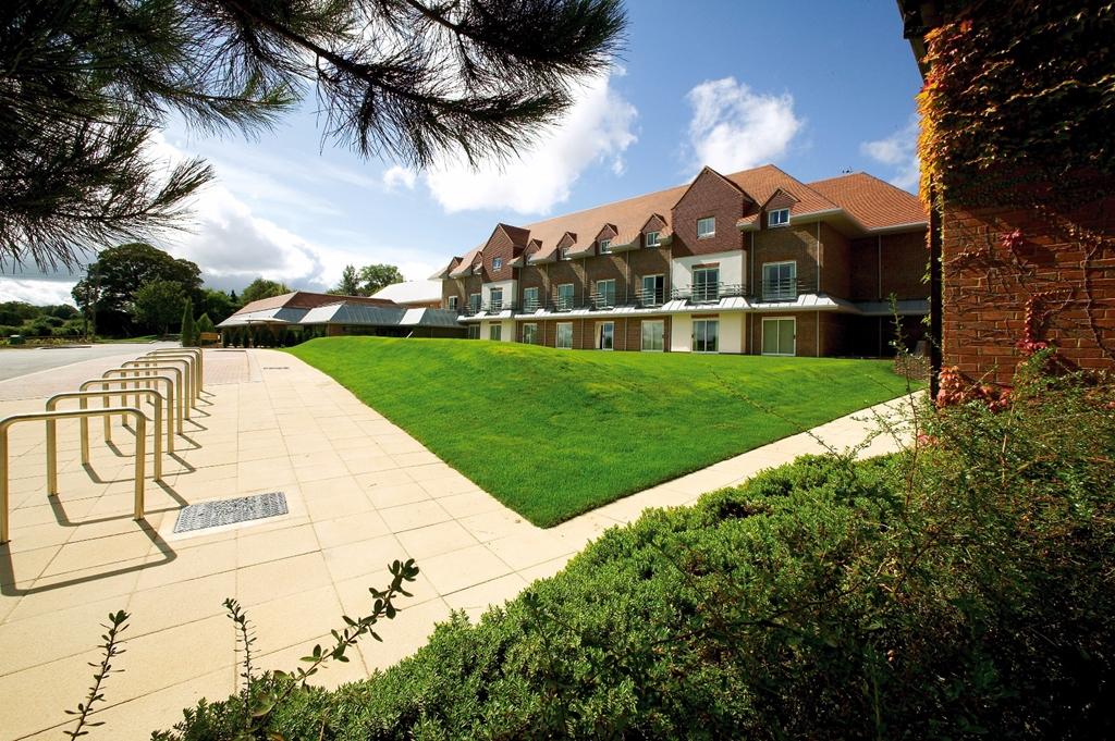 Classic British - Donnington Valley Hotel & Golf