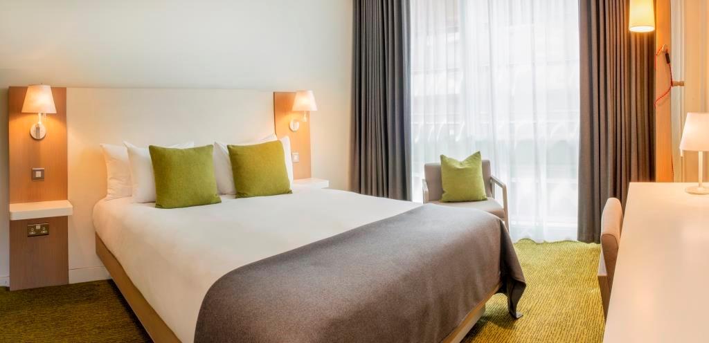 Orchard Hotel - Standard Bedroom
