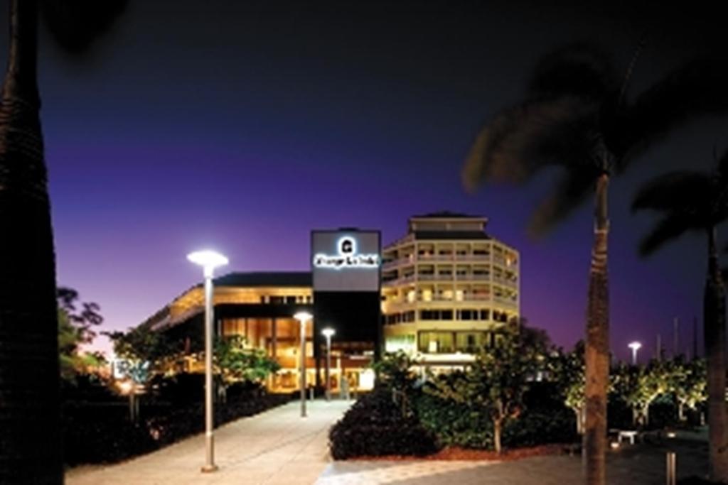 Shangri-La Hotel Cairns