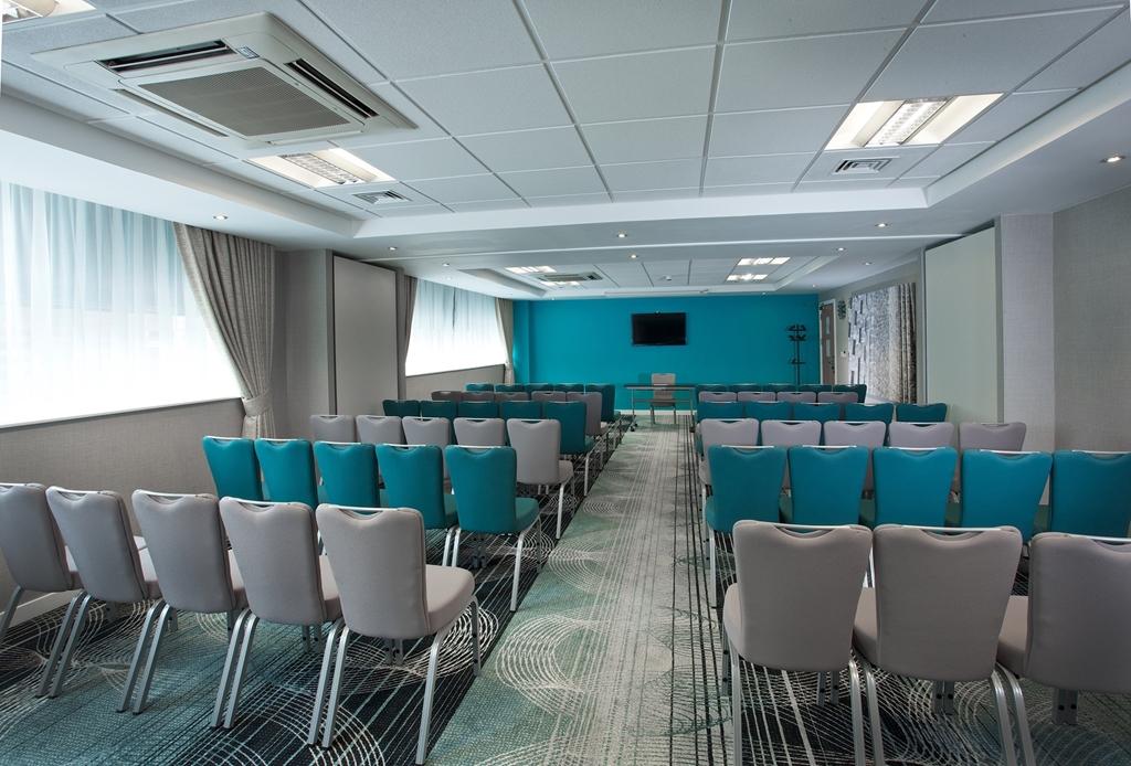 Ramada Hotel & Suites Coventry