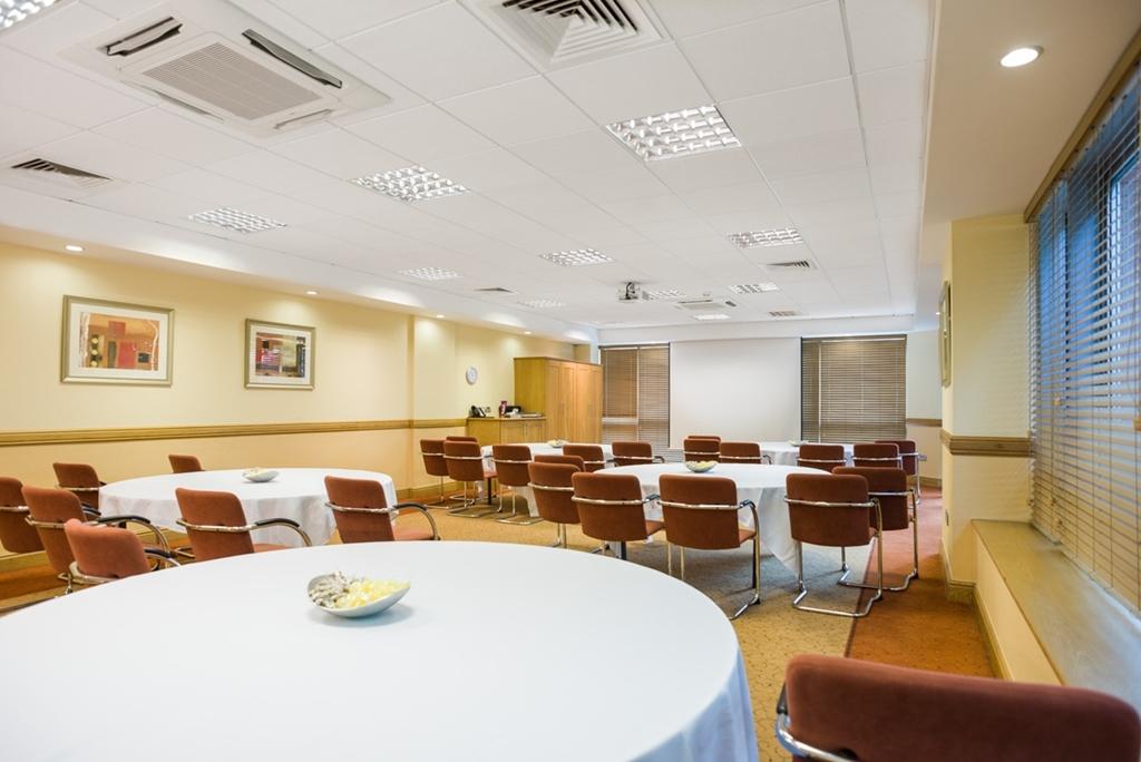 Jurys Inn Sheffield Suite 8