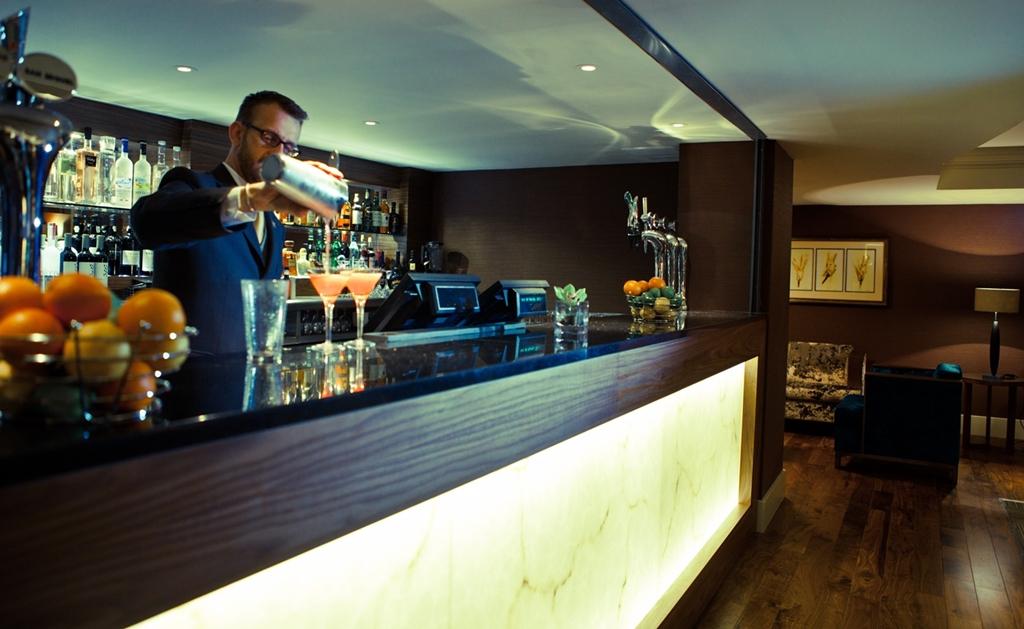 Browns Bar