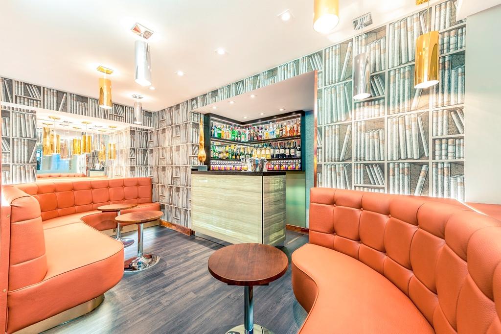Hotel Bar/ Lobby