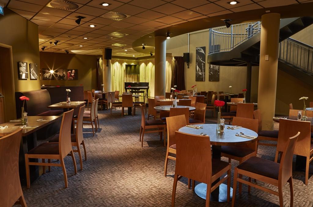 Jazz Club & Breakfast Room