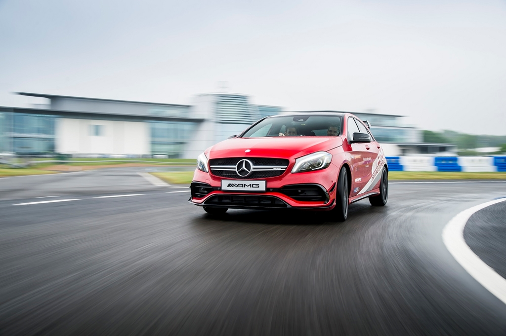 AMG driving experiences at Mercedes-Benz World