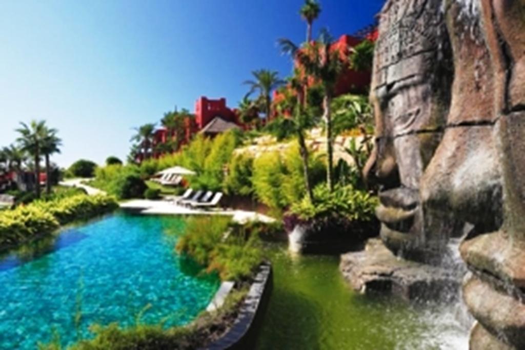 Barcelo Asia Gardens