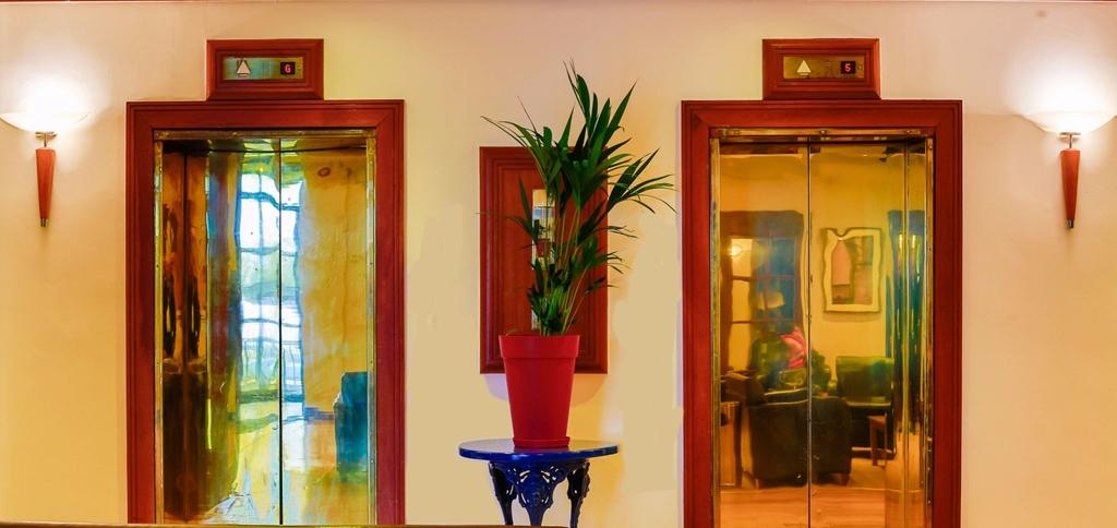 Reception Lounge @taratowershotel