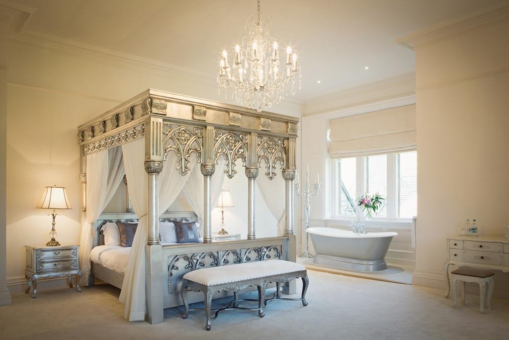 Room 1 - Suite