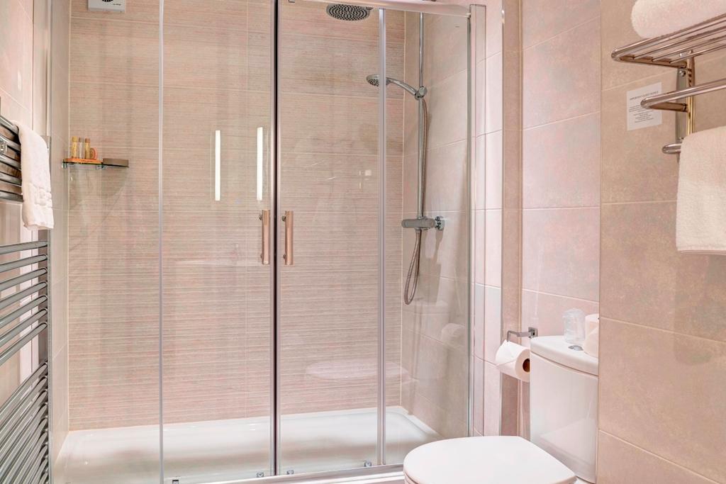 Executive Bathroom (Styles may vary)