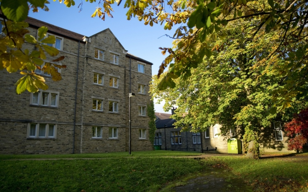 Storthes Hall Park
