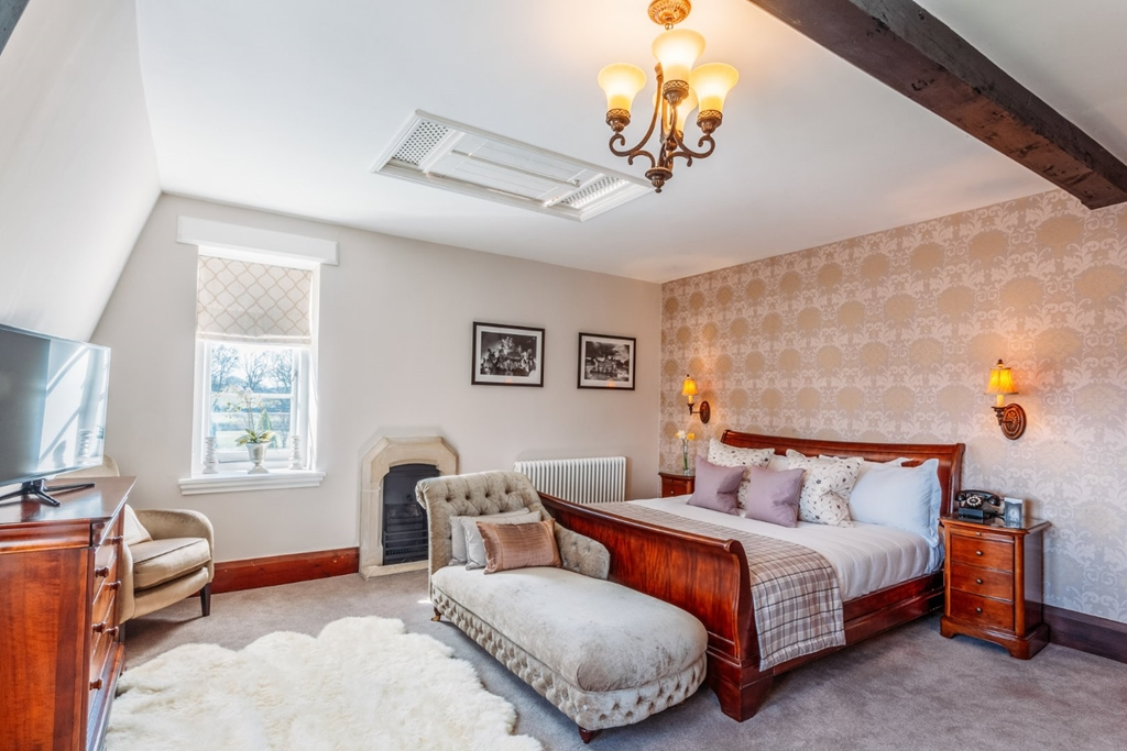 Master Bedroom - The Cardinal Suite