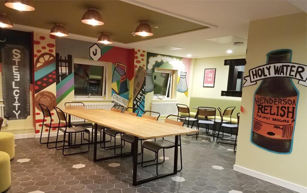 Jonas Hotel Cafe & Lounge