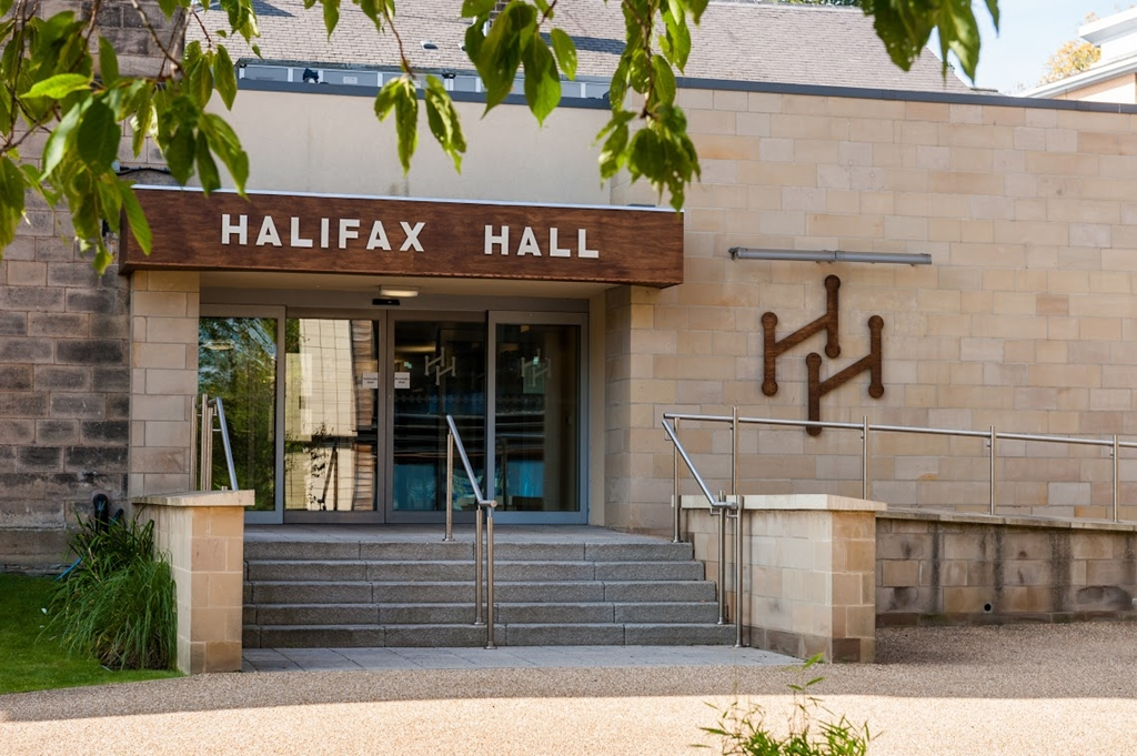 Halifax Hall Hotel - Entrance