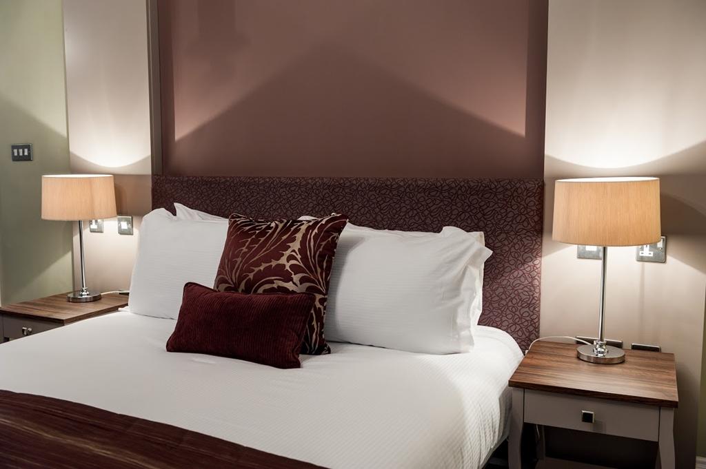 Halifax Hall Hotel - Bedroom
