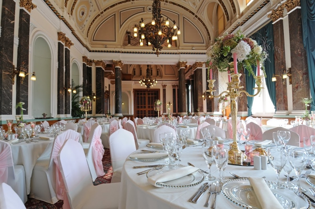 Dining in the Banqueting Room
