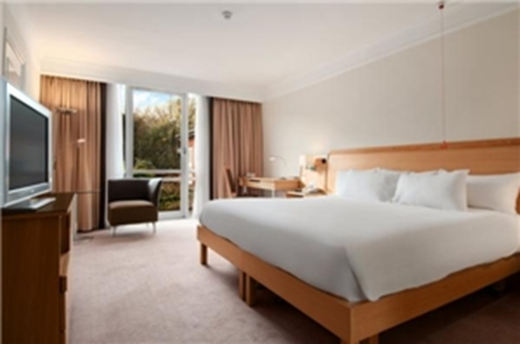 179 guest rooms available
