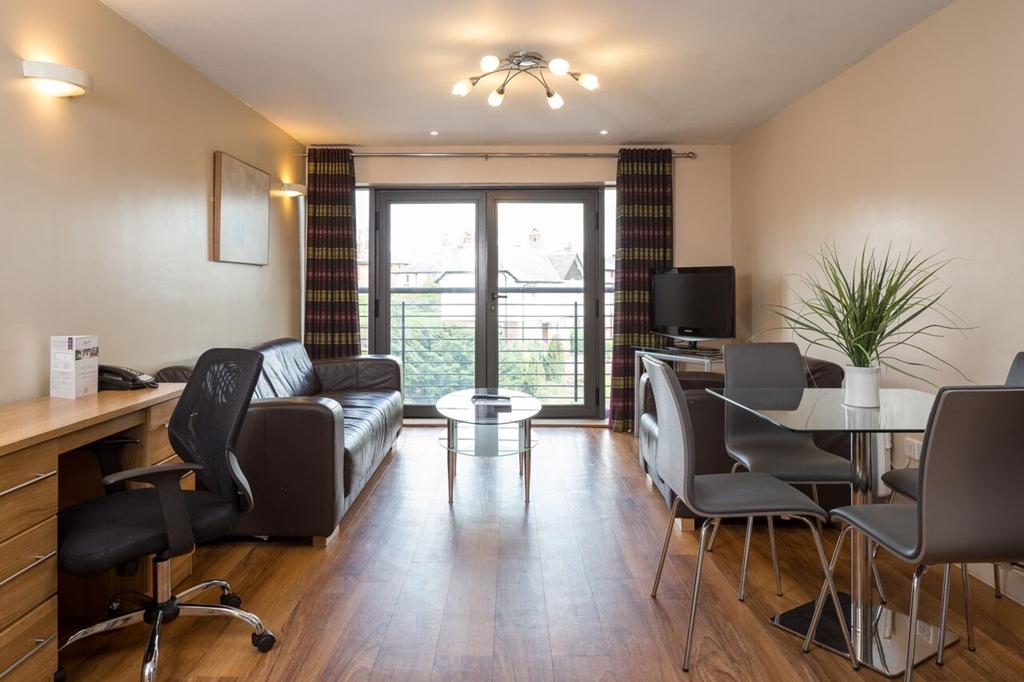 Roomzzz Aparthotel Leeds Headingley