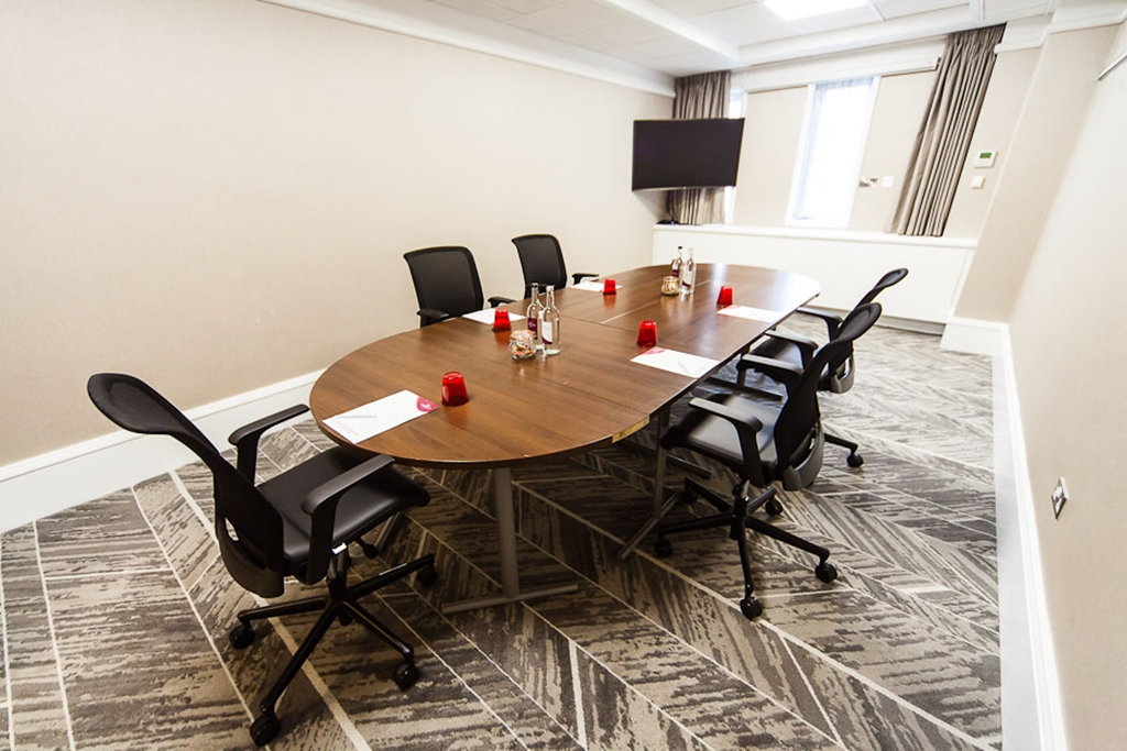 Gledhow - Boardroom Style