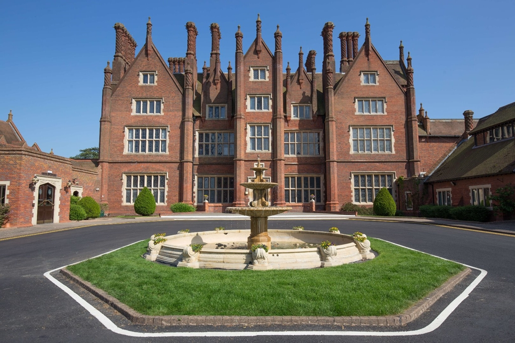 CUSTOMER SERVICE RECOGNITION AT DUNSTON HALL HOTEL for 2nd YEAR IN A ROW