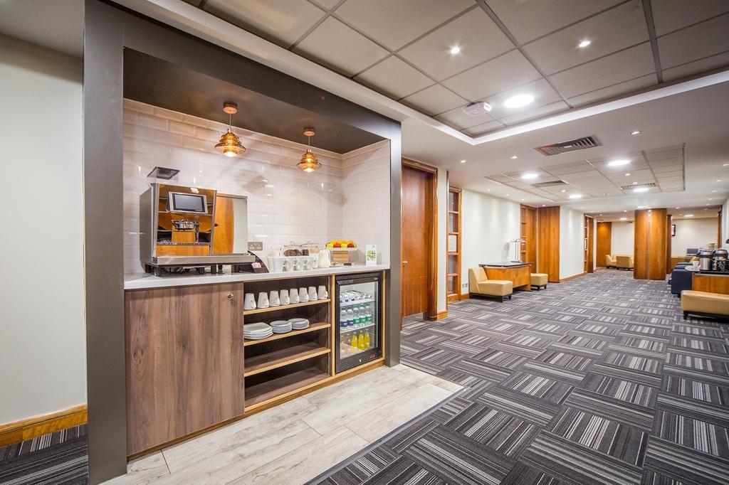 Holiday Inn High Wycombe M40 Jct 4