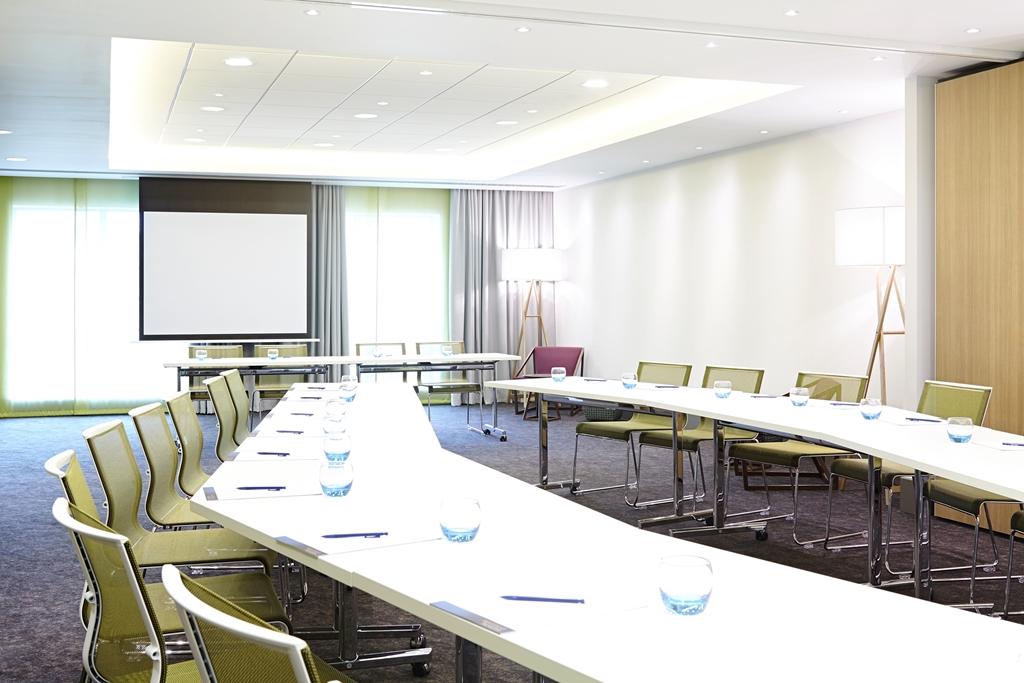 Kew Suite  - Dinner settings up to 60 people -