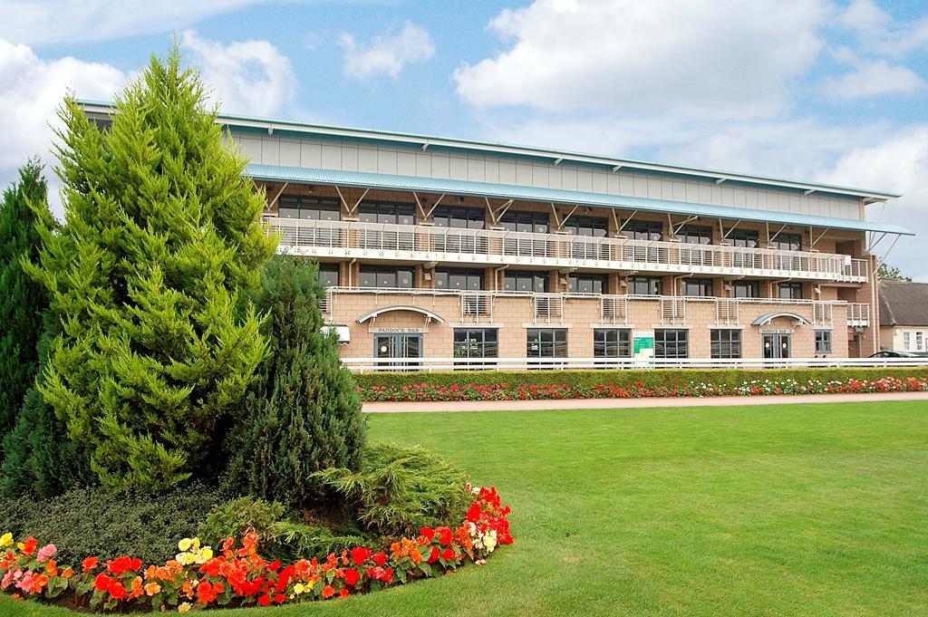 Warwick Racecourse, A Jockey Club Venue