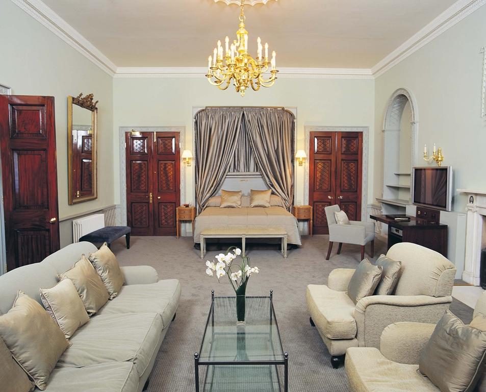 Queen Mary Suite