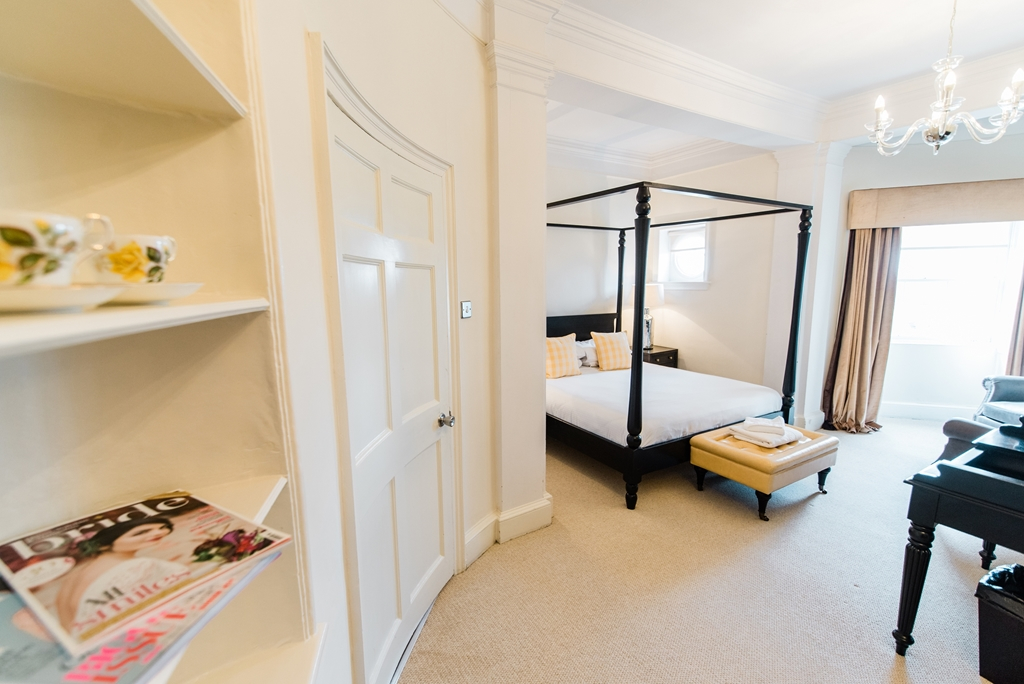 Guest bedroom - main house
