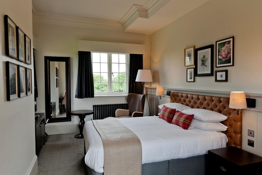 Towers Deluxe Bedroom