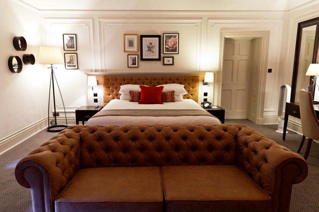 Towers Jnr Suite Bedroom