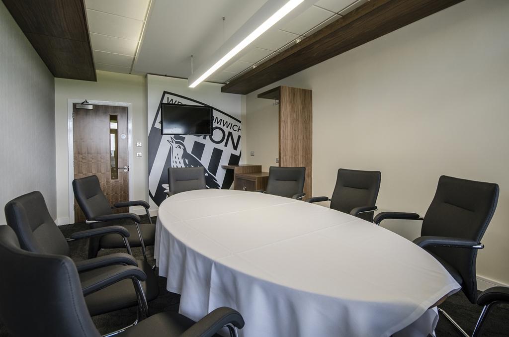 Executive Box 28