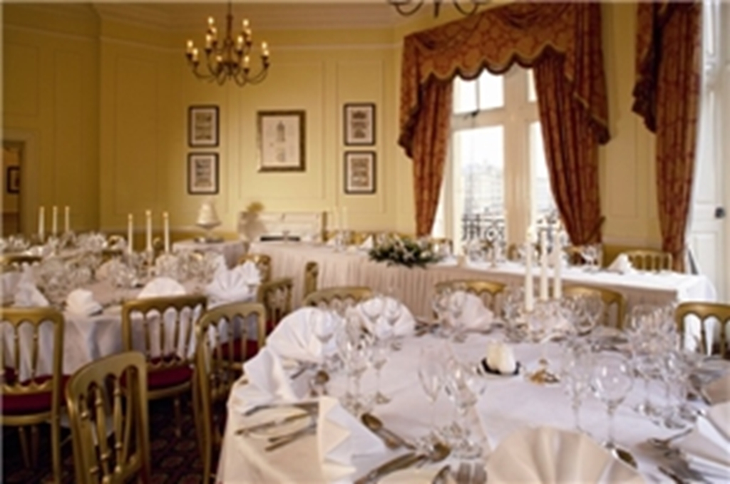 Forster Main room Rounds