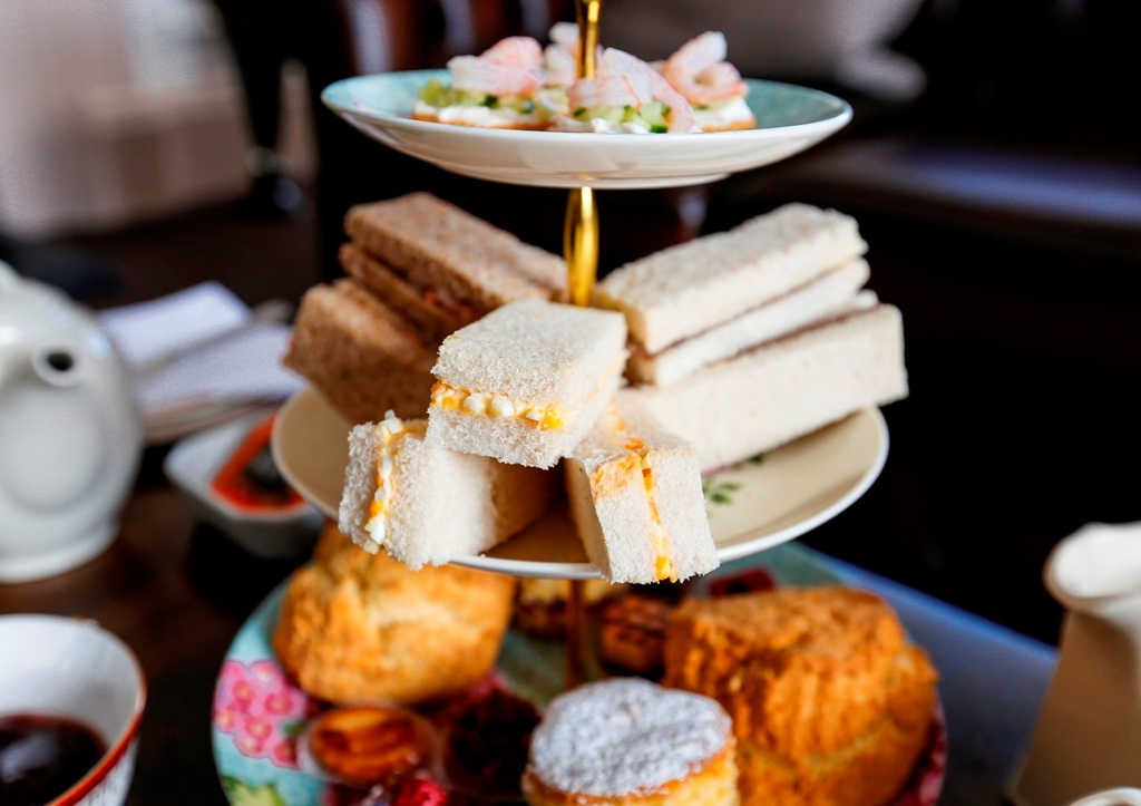 The Chimes, Afternoon Tea