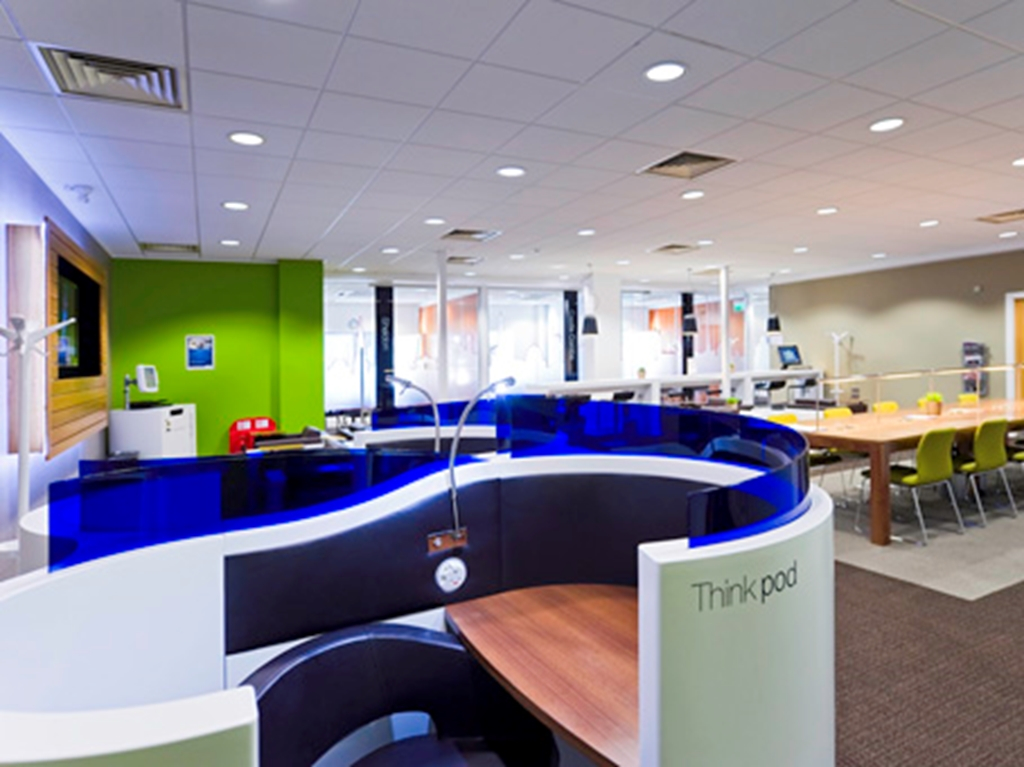 Regus Express Leigh Delamere Services (2586)