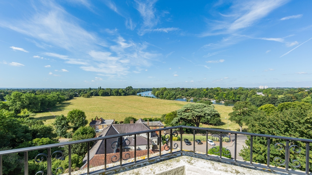 The Petersham - riverview