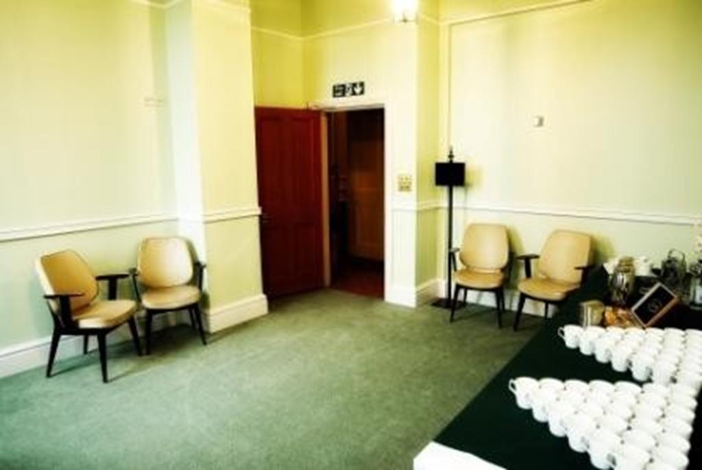 Osbourn Room 1