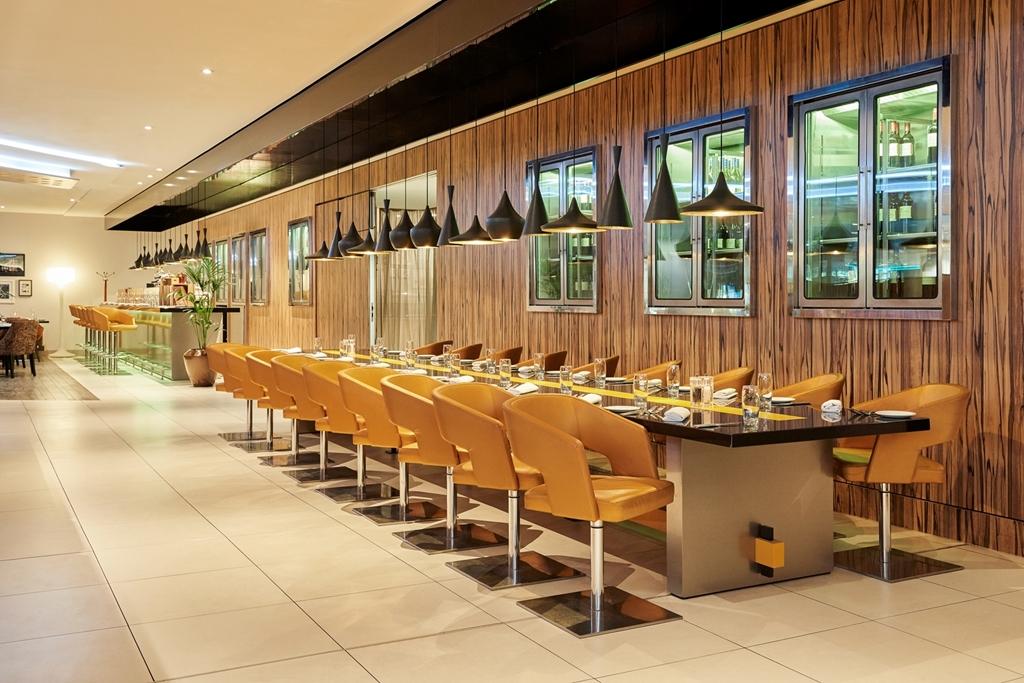 Aroma Restaurant - Sharing Table