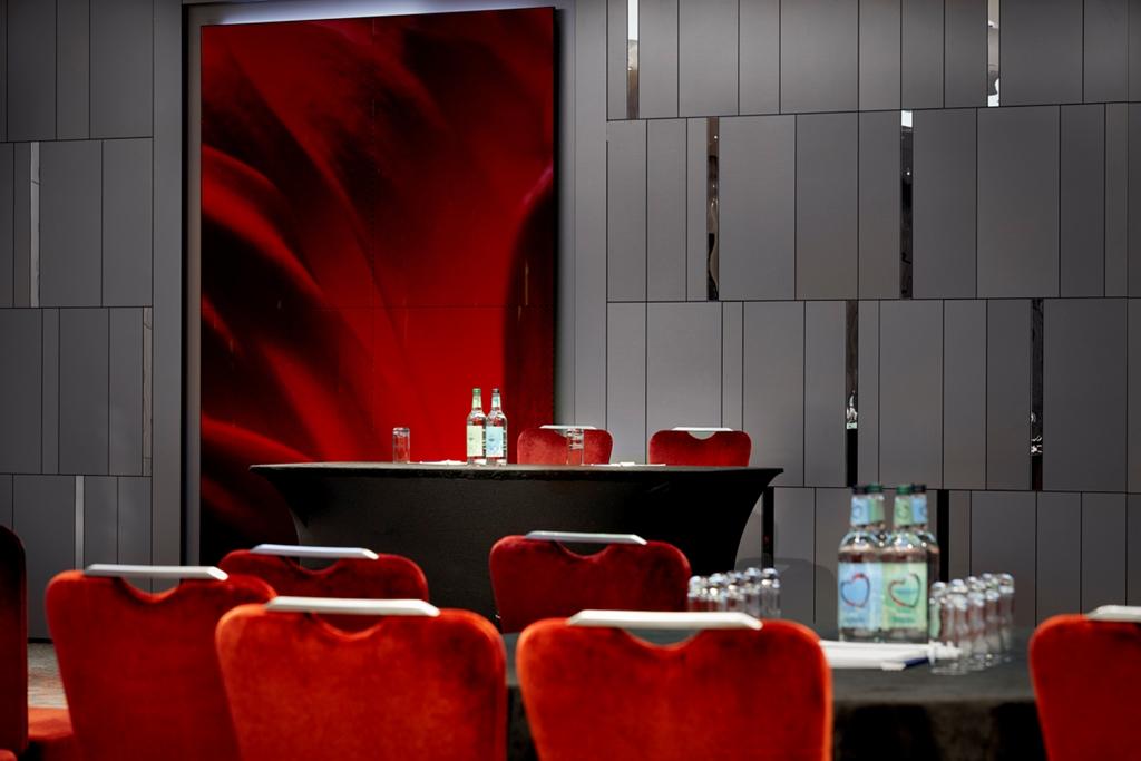 City Suite Cabaret Tables