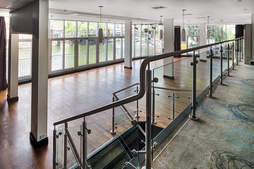 Glasshouse Empty