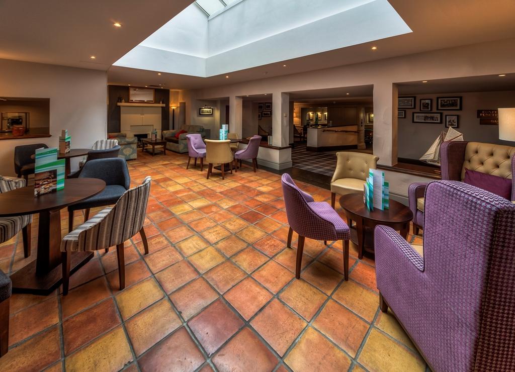 Terracotta Lounge