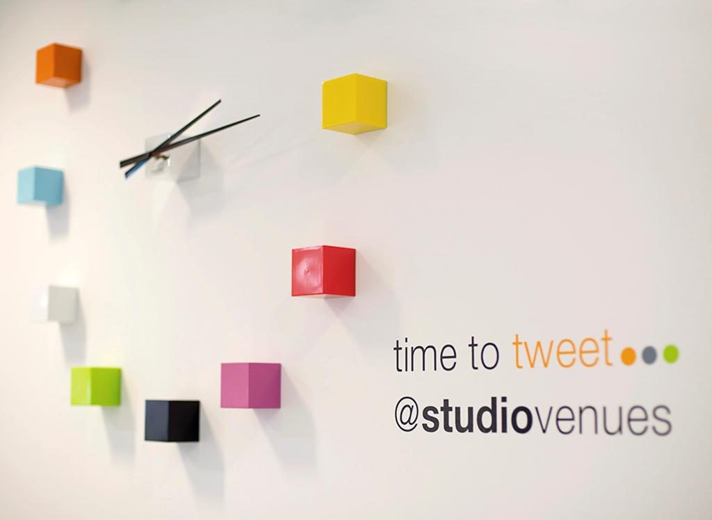 Time to Tweet?