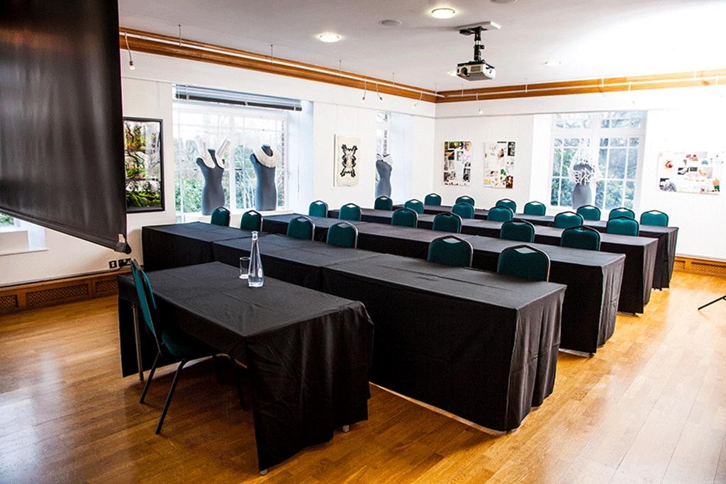 Knapp Gallery - Classroom Layout