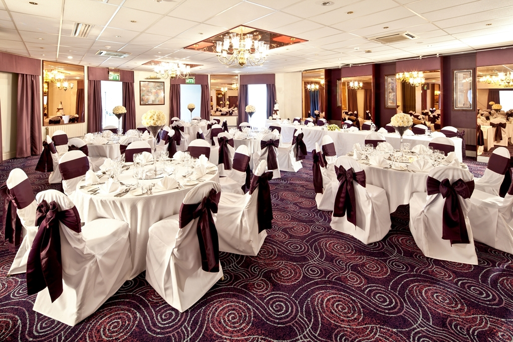 Park Suite Mercure Chester Abbots Well Hotel