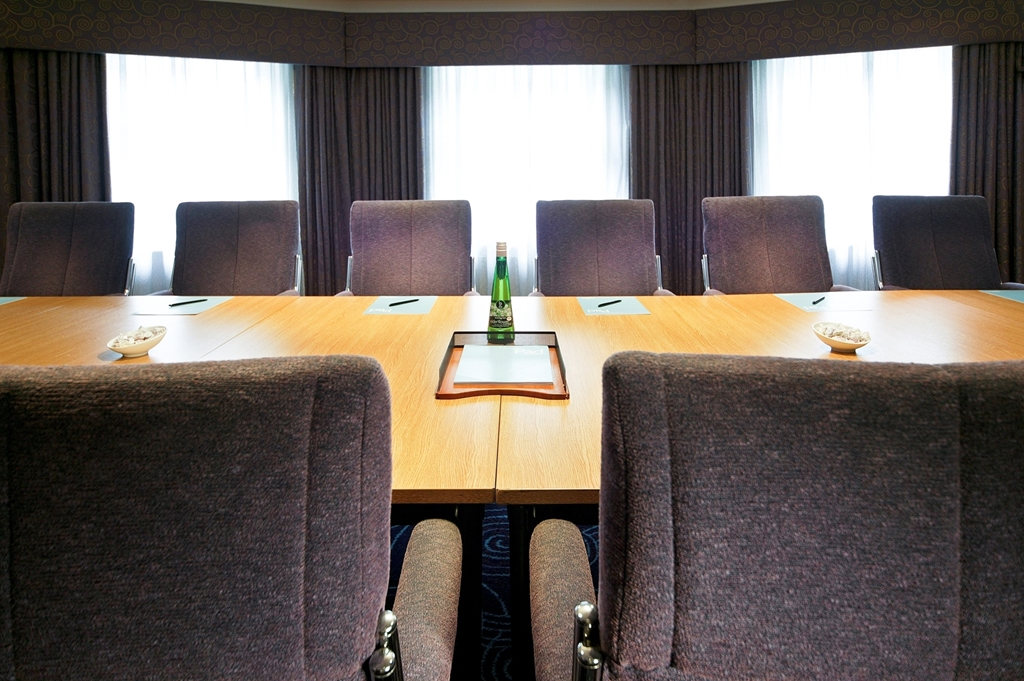 Boardroom Mercure Chester Abbots Well Hotel