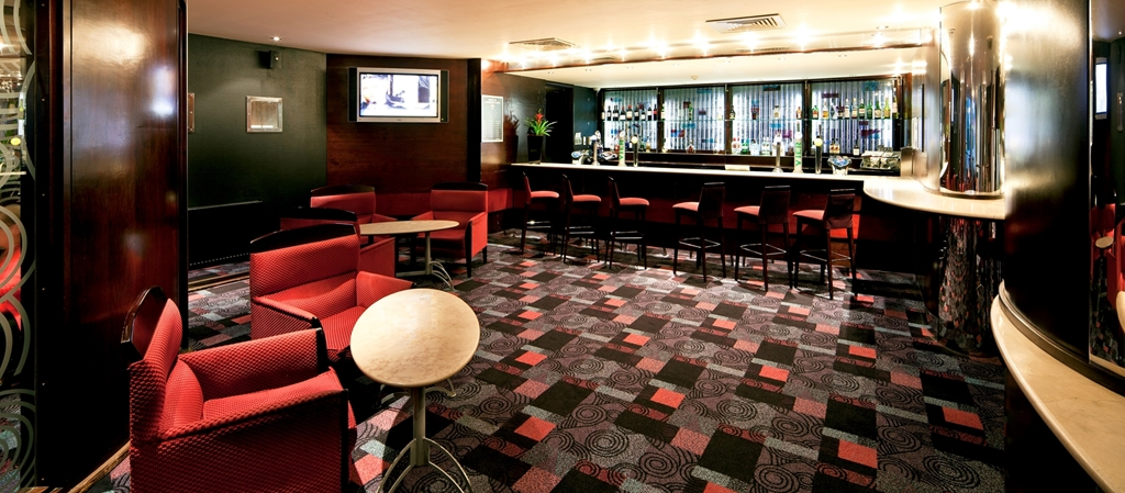 Bar lounge Mercure Chester Abbots Well Hotel