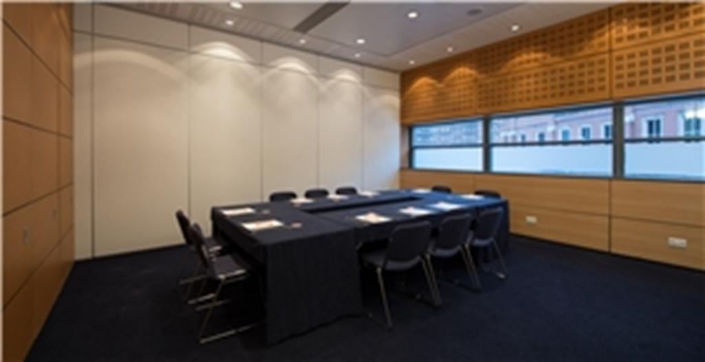 Exchange Room 5 (Boardroom Style)