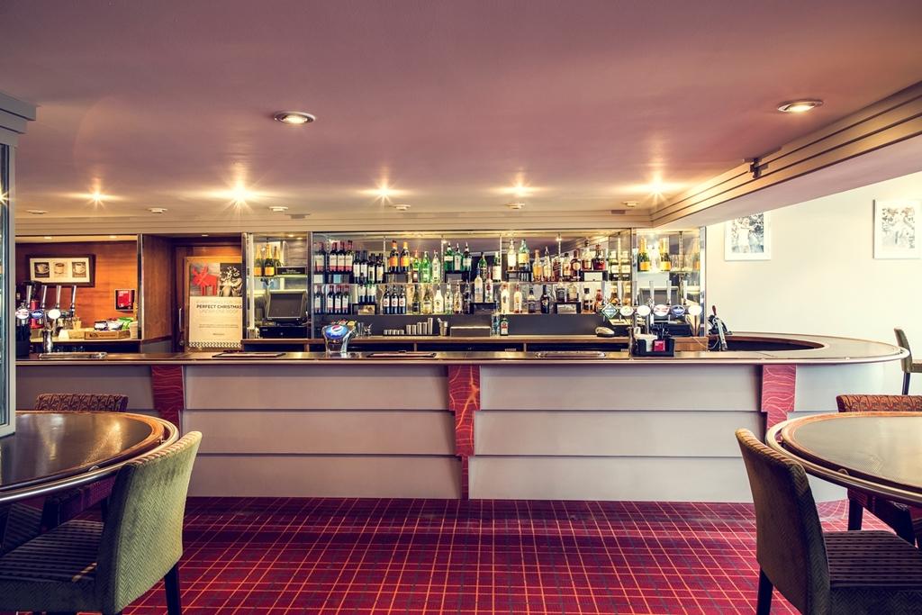 Mercure London Watford - Arts Bar