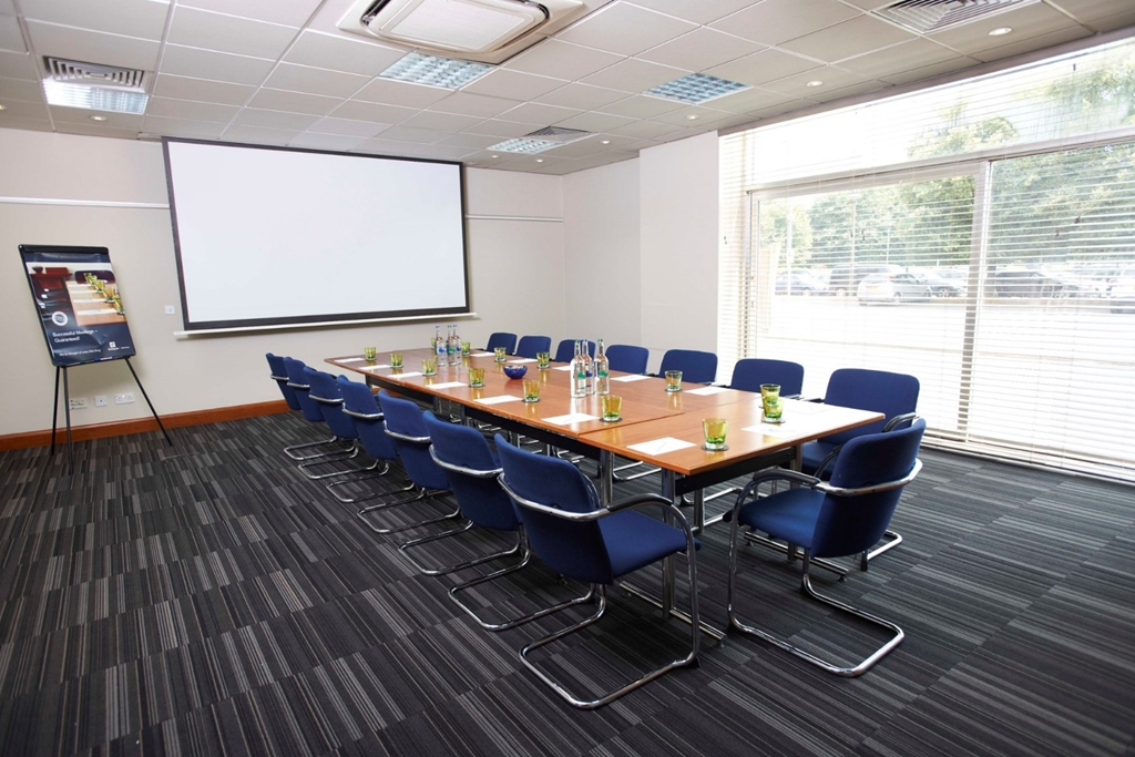 Natural Daylight Meeting Room