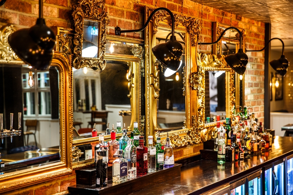 T6 Bar/Lounge