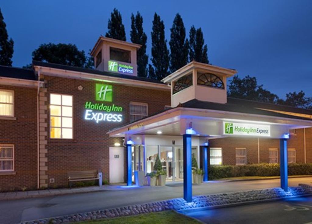 Holiday Inn Express Leeds-East